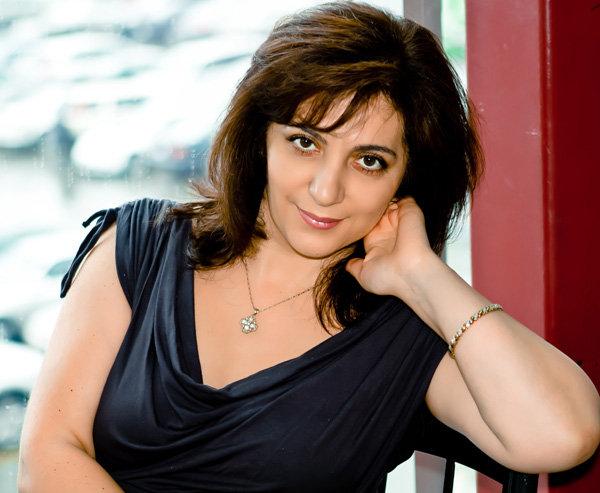 LISTEN NOW TO ASSYRIAN ARTIST AND SINGER STELLA REZGO, CANADA 25.9.2011WITH SHAMASHA DAVID GEWARGIS.