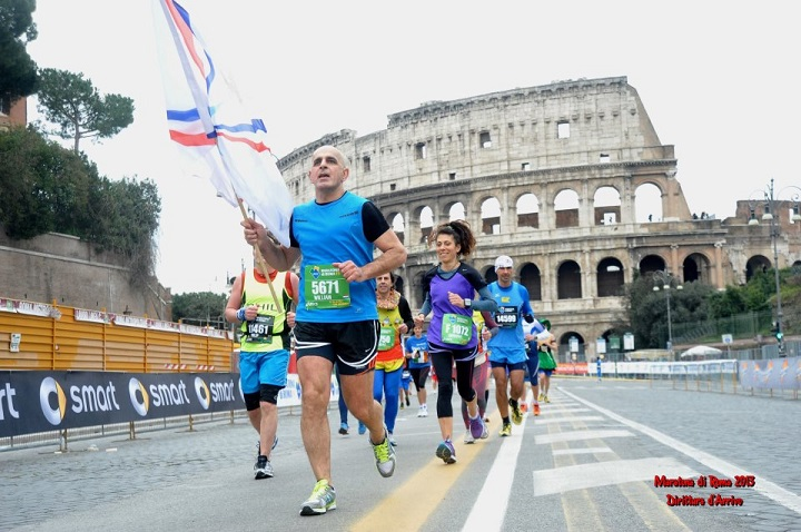 "' Now Listen "" Special Interview "" Assyrian marathon man, William Odisho, Holland. To lift Assyrian flag in Australia."